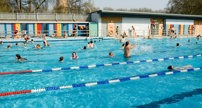 London Fields Lido on a sunny day